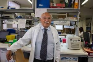 Franco Salvatore in laboratorio