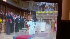 Il Papa fra gli ammalati nella chiesa del Gesù, ricordando Giuseppe Moscati